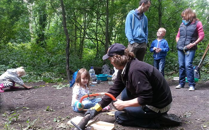 Forest School Trainer - Chris Wishart teaching children